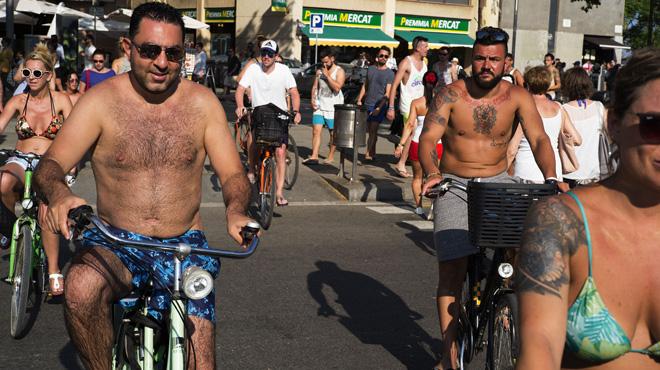 Los barceloneses creen que su principal problema ya es el turismo