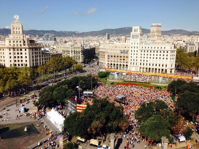 Manifestaci�n del 12-O en la plaza de Catalunya de Barcelona, en el 2014.