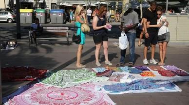 Campaña contra la compra en el 'top manta' en plena queja del comercio