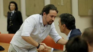 """Iglesias ratifica que habl� con S�nchez y que es """"viable"""" un gobierno progresista"""