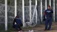 Hongria comença a detenir refugiats que han creuat la seva frontera de forma il·legal