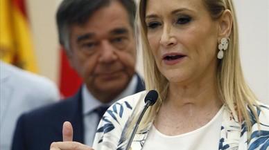 Cifuentes rebutja taxes contra el turisme com les de Balears