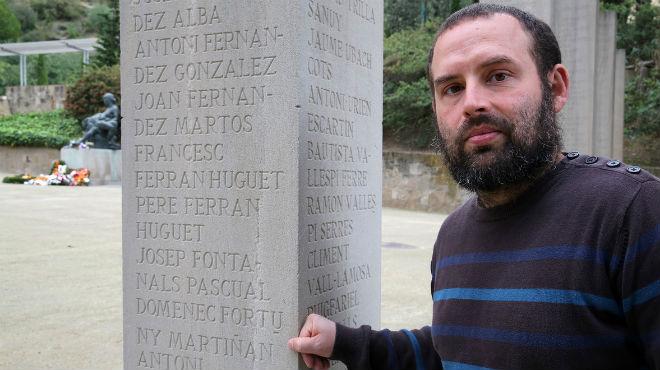 Una placa en el Fossar de la Pedrera de Montjuïc