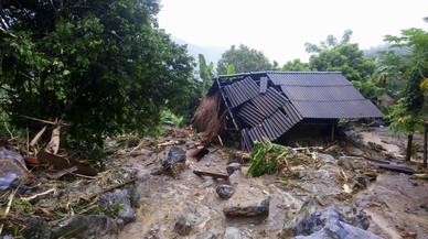 Les inundacions al Vietnam provoquen almenys 54 morts i 39 desapareguts