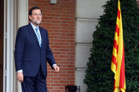 Mariano Rajoy, este jueves, a las puertas de la Moncloa. 