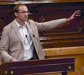 El lder de ICV, Joan Herrera, en el Parlament el pasado 4 de julio.