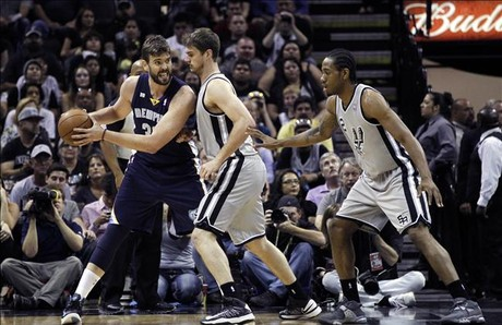 Marc Gasol, defendido por Splitter