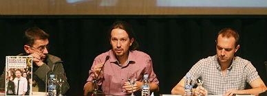 Pablo Iglesias, centro, en la presentaci�n de su libro, el pasado d�a 24.