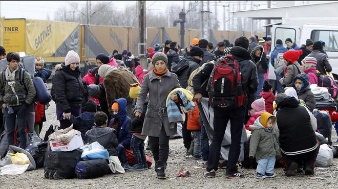 """La UE acusa Grècia de """"greus deficiències"""" en el control de la seva frontera"""