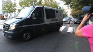 Llegada del furgón de la Guardia Civil a la Audiencia Nacional.