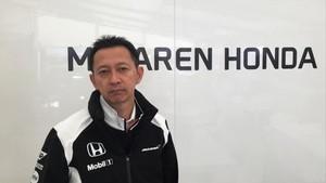 Hasegawa (Honda), en el box del McLaren