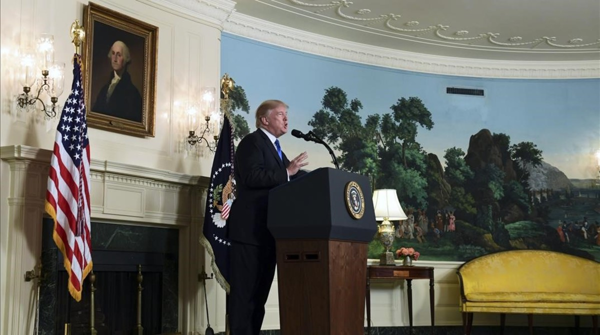 monmartinez40525218 president donald trump speaks about iran from the diplomatic171013200252
