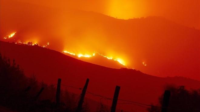Incendio forestal en Galicia: zona de la Reserva Natural de los Ancares, en Lugo.