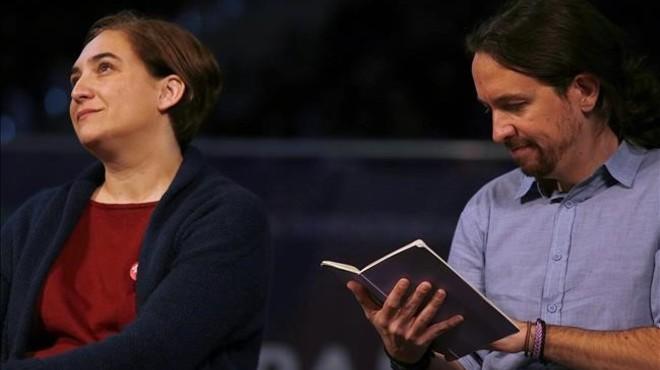Ada Colau y Pablo Iglesias, en un mitin de Podemos en Madrid.
