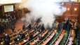 Gas lacrimógeno en el Parlamento de Kosovo