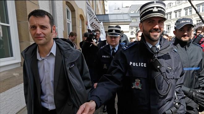 Los informantes del caso 'LuxLeaks' condenados finalmente a seis meses de prisión