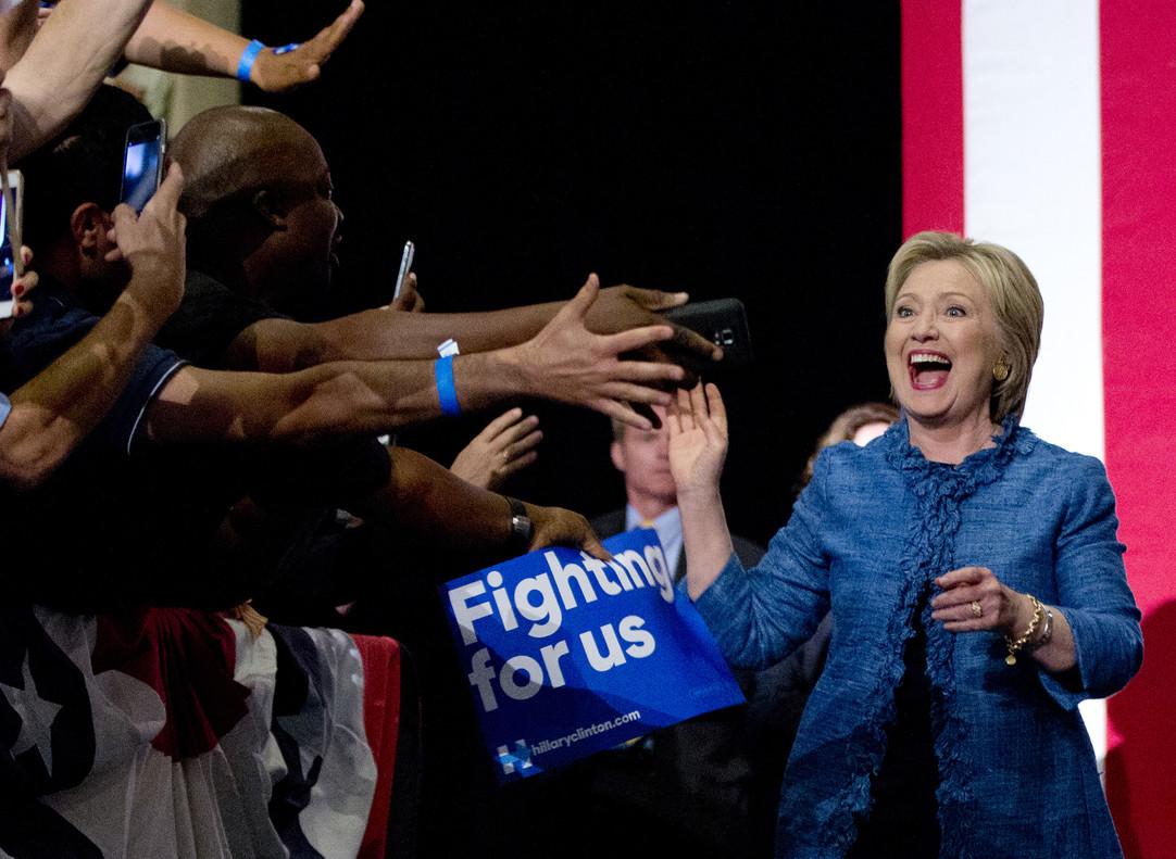Hillary Clinton acaricia la nominación demócrata