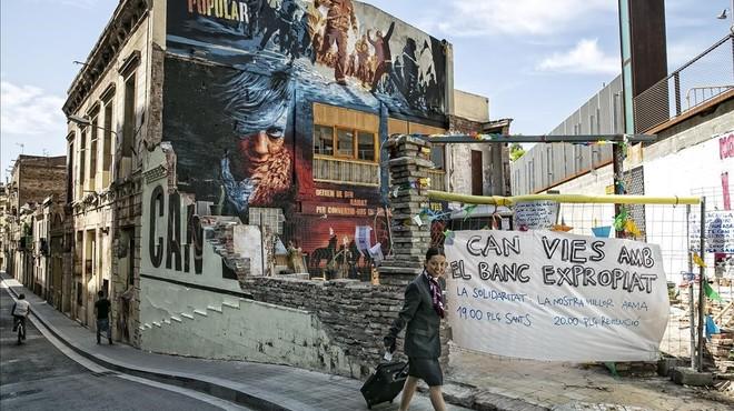 El futuro de Can Vies divide a los vecinos de Sants dos años después del desalojo frustrado