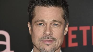 Brad Pitt surt amb Ella Purnell, de 21 anys