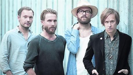 Los miembros de Refused, con el vocalista Dennis Lyxz�n, a la derecha.