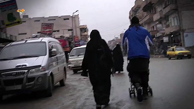 Mujeres arriesgan su vida para grabar dentro del Estado Isl�mico.