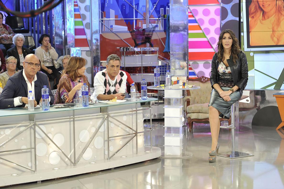 Paz Padilla, con parte de los colaboradores habituales de 'S�lvame'.