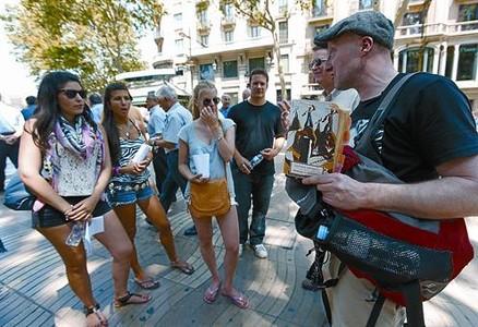 Barcelona condena al turismo de la guerra civil a la clandestinidad