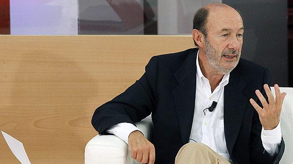 """Rubalcaba creu que el model """"injust i insostenible"""" de Wert crearà marginats"""