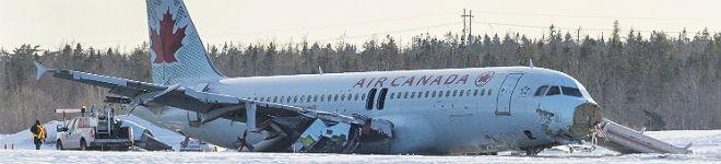 23 heridos leves en el aterrizaje de emergencia de un avi�n en Canad�