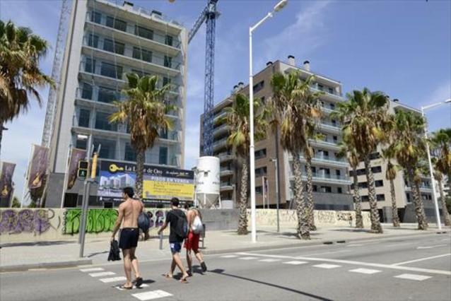 Promoción de pisos en construcción que se ha puesto a la venta en el distrito del 22@, ayer.