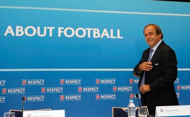 Michel Platini, el sancionado presidente de la UEFA, en una rueda de prensa.