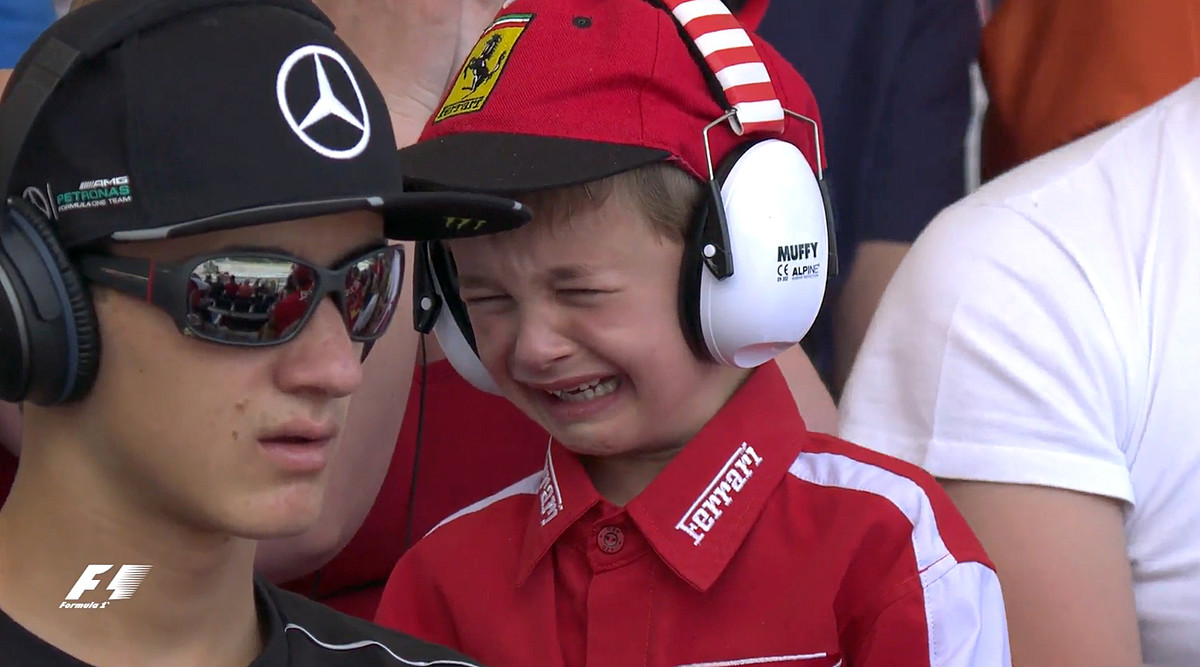 Val, el niño belga que lloró con el abandono de Raikkonen