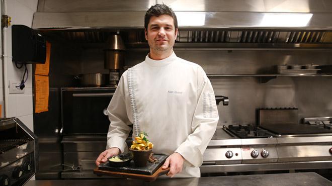 Alain Guiard, chef del Santa Burg y La Mundana, nos presenta su receta de entrecot a la bearnesa.