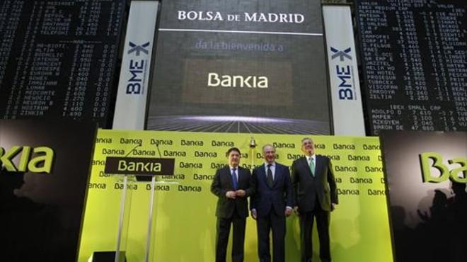 La c�pula de Bankia, con Rato en el centro, en el acto de salida a bolsa.