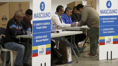 L'Equador elegeix en segona volta el president que ha de rellevar Correa
