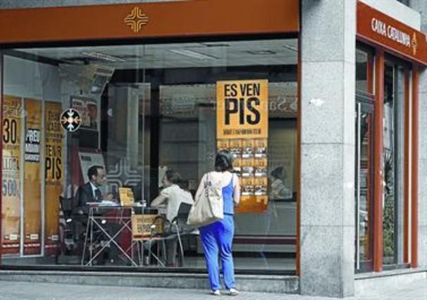 La banca se desprende de pisos con descuentos de hasta el 50 for Oficina catalunya caixa