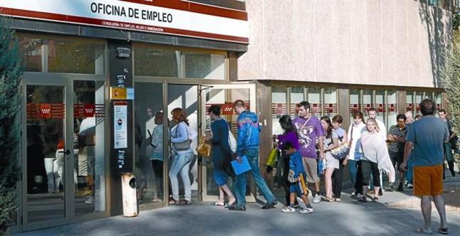 La oit alerta sobre el peligro del alto nivel de desempleo for Oficina de empleo barcelona