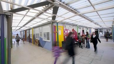 Barcelona mueve ficha para acabar con los barracones escolares de La Maquinista