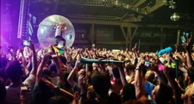 El Sónar bate su récord de público con 121.500 asistentes
