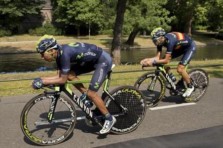Nairo Quintana y Alejandro Valverde, en el �ltimo entrenamiento del Movistar.