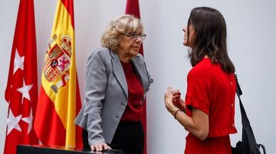 Carmena rebutja recolzar els alcaldes i funcionaris pressionats per l'independentisme