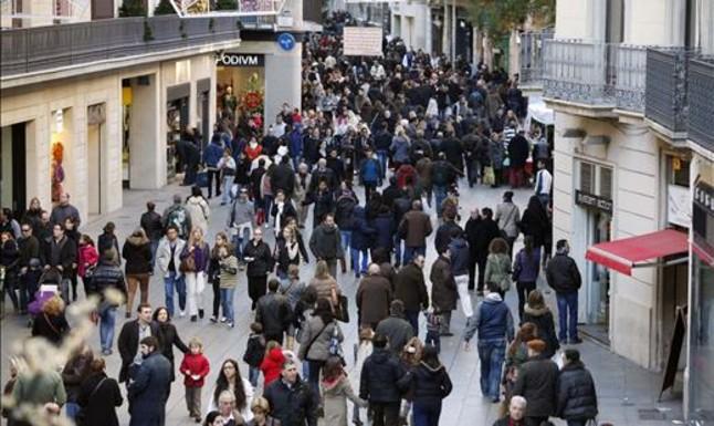 Los barceloneses contrarios a abrir los comercios en domingo suben al 39%