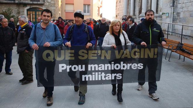 Protesta en Celrà y Girona en contra de las maniobras militares