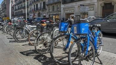 Bicis y motos compartidas sí tienen barra libre en Barcelona