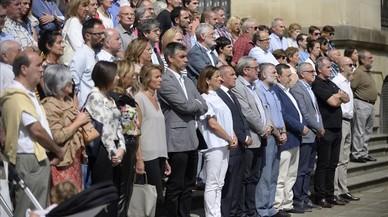 Unitat política en el minut de silenci a la plaça de Catalunya