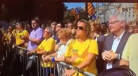 La esposa de Mas y el 'conseller' Mascarell no disimulan su malestar con Forcadell mientras Junqueras la aplaude cuando exige elecciones plebiscitarias