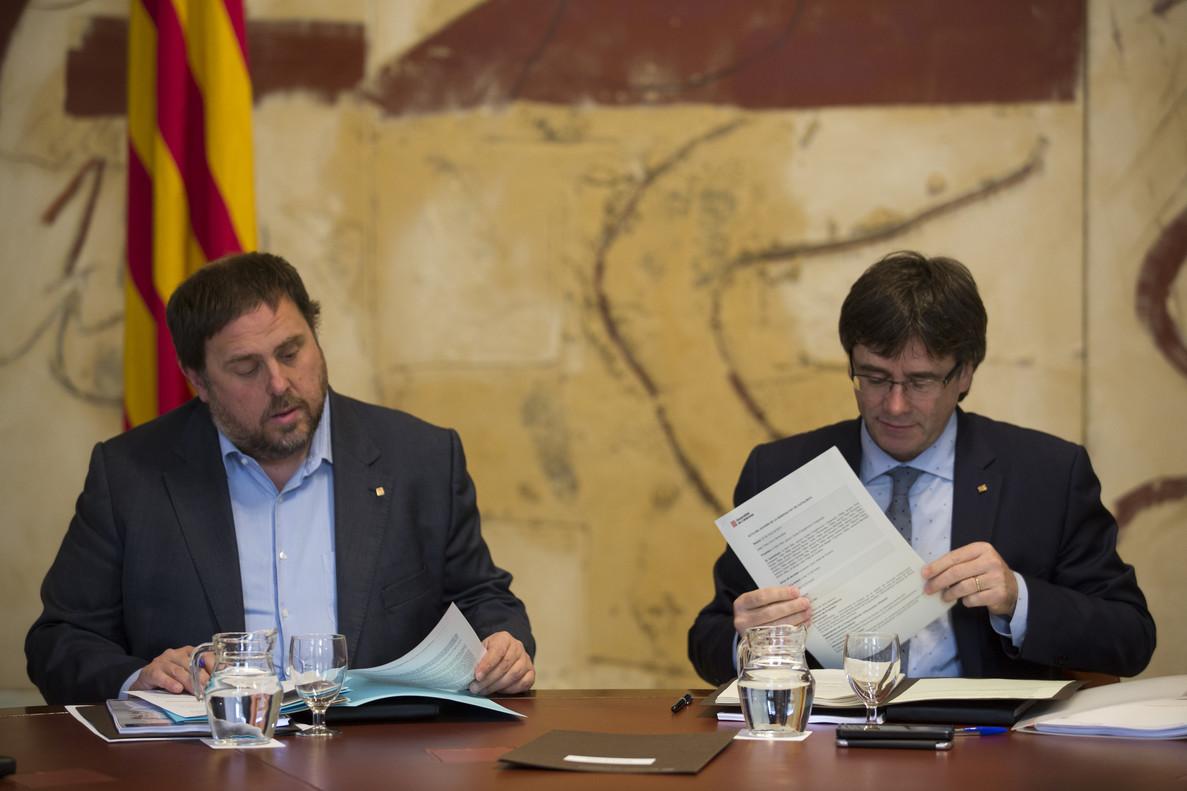 Oriol Junqueras y Carles Puigdemont, durante una reunión del Consell Executiu.