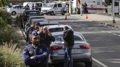 """Bèlgica vincula l'agressió a diversos policies amb un """"possible atemptat terrorista"""""""