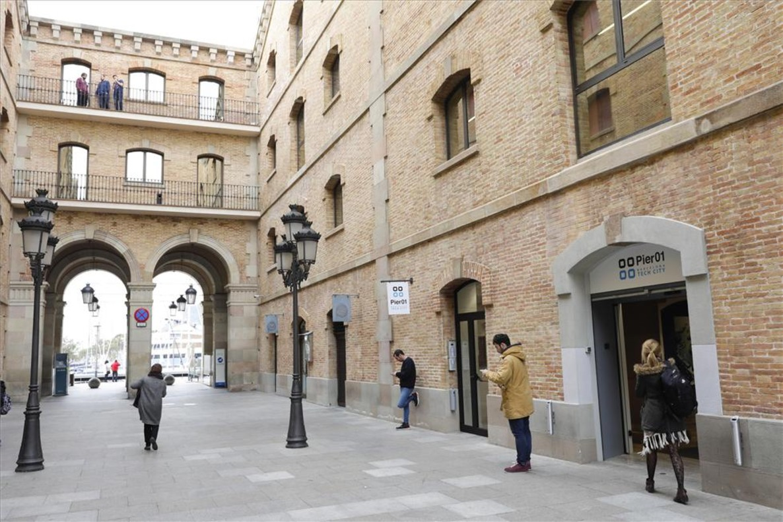 Exterior del Pier 01, en el Palau de Mar de Barcelona.