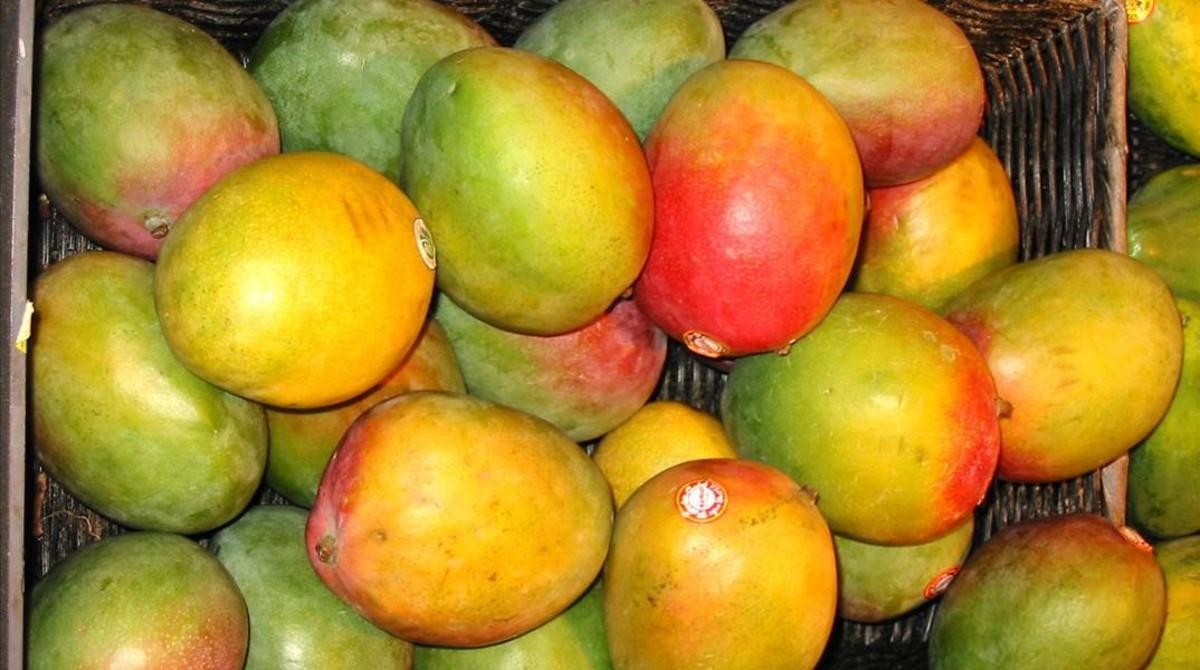 Mango para potenciar y proteger el bronceado